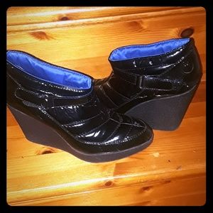 Libby Edelman Black Quilted Patent Leather Wedge